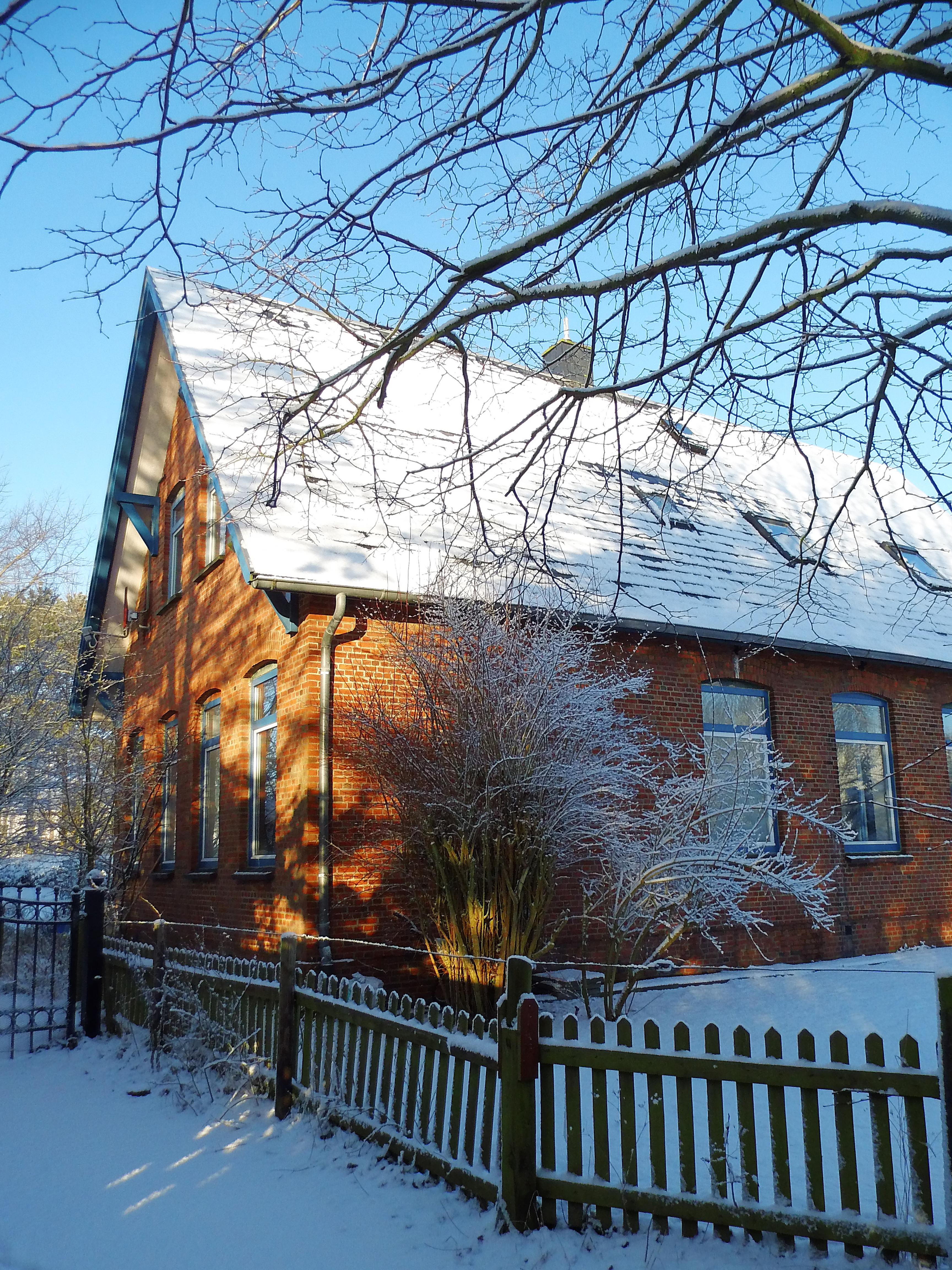 Die Schule im Winter